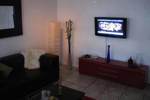 Wohnzimmer mit Platz für ein Heimkino