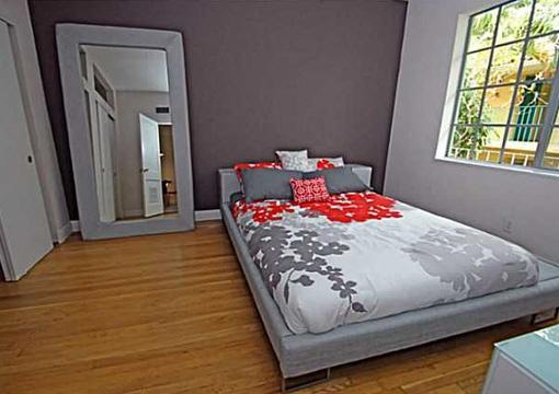 Großes und gemütliches Schlafzimmer