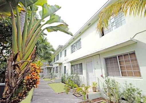 Genießen Sie Ihr neues Leben in der umgebauten Eigentumswohnung in Miami Beach