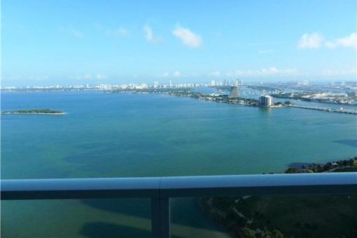 Apartment in fabelhafter Lage mit selten zu findenden Abstellraum in Miami