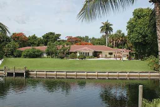 Bezaubernde Villa in Top-Lage nahe Coral Gables