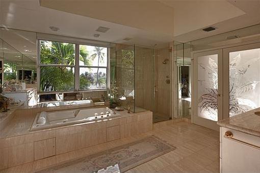 Majestätisches Badezimmer