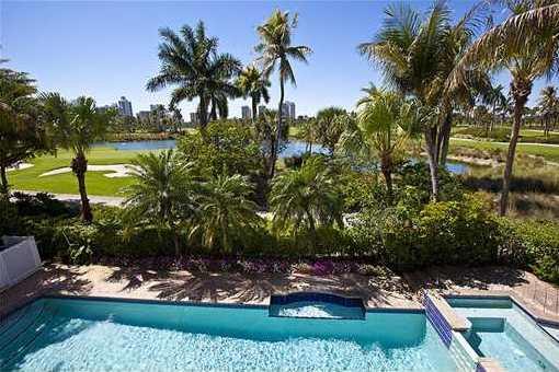 Elegante Villa in Aventura mit Pool und großem Garten