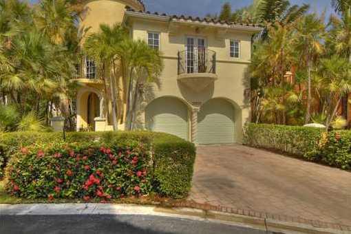 Luxuriöse Villa mit einem grandiosen Blick auf den See