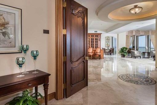 Villa in Naples zum Kauf