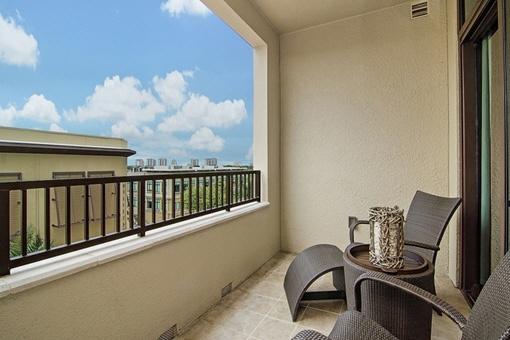 Schöner Balkon mit tollem Blick