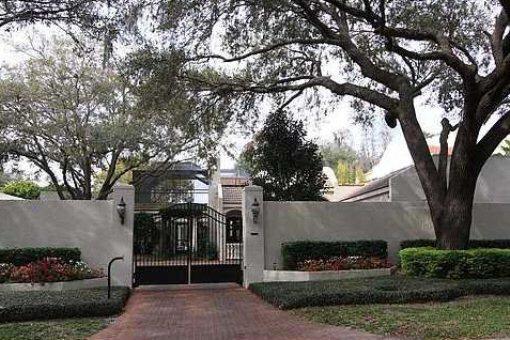 Haus mit Gästehaus und großem Garten in Tampa