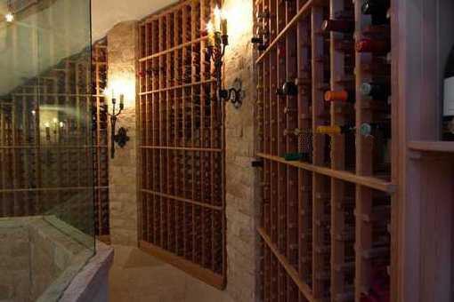 Großer Weinkeller