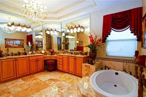 Luxurious bathroom with tiled floor