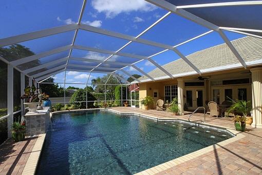 Bezauberndes Anwesen mit riesiger Glasterrasse und Pool in Fort Myers