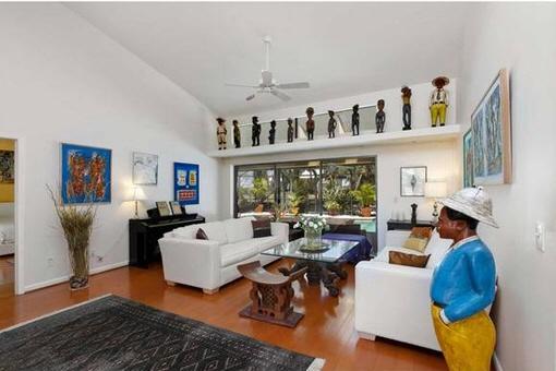 Wohnzimmer mit stylischer Einrichtung
