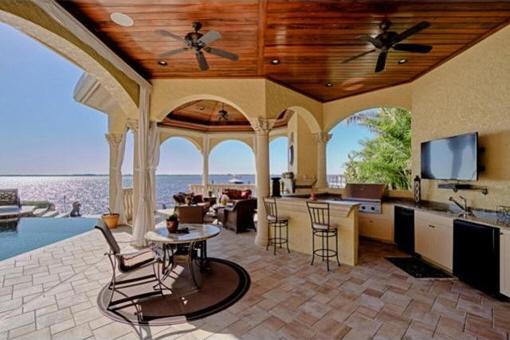 Sommerküche mit Meerblick