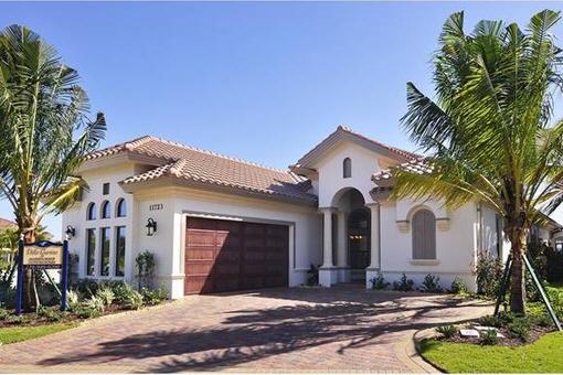 Haus mit Sommerküche, Deckenventilatoren und Pool in feinster Wohnlage in Fort Myers