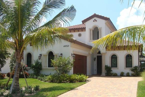 Einfamilienhaus mit Pool am Strand in Fort Myers