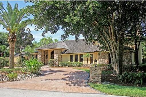 Villa mit Pool und Arbeitszimmer in perfekter Lage am Golfplatz in Fort Myers
